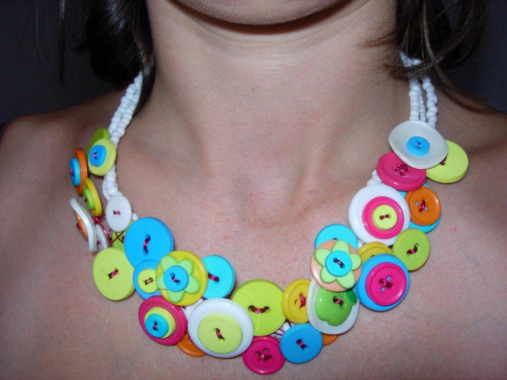 Collier Fait Main Fil De Fer : Collier boutons multicolore cultura
