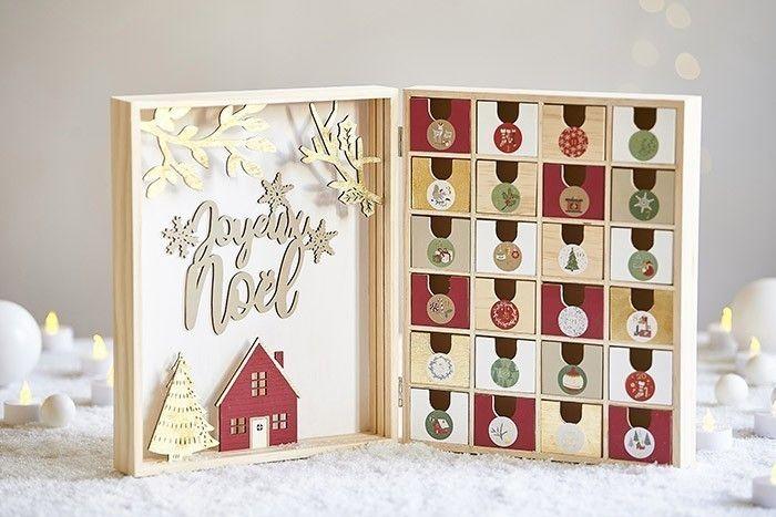 9. Garnir de surprises le calendrier de l'Avent, il est prêt pour décorer votre intérieur en attendant Noël.