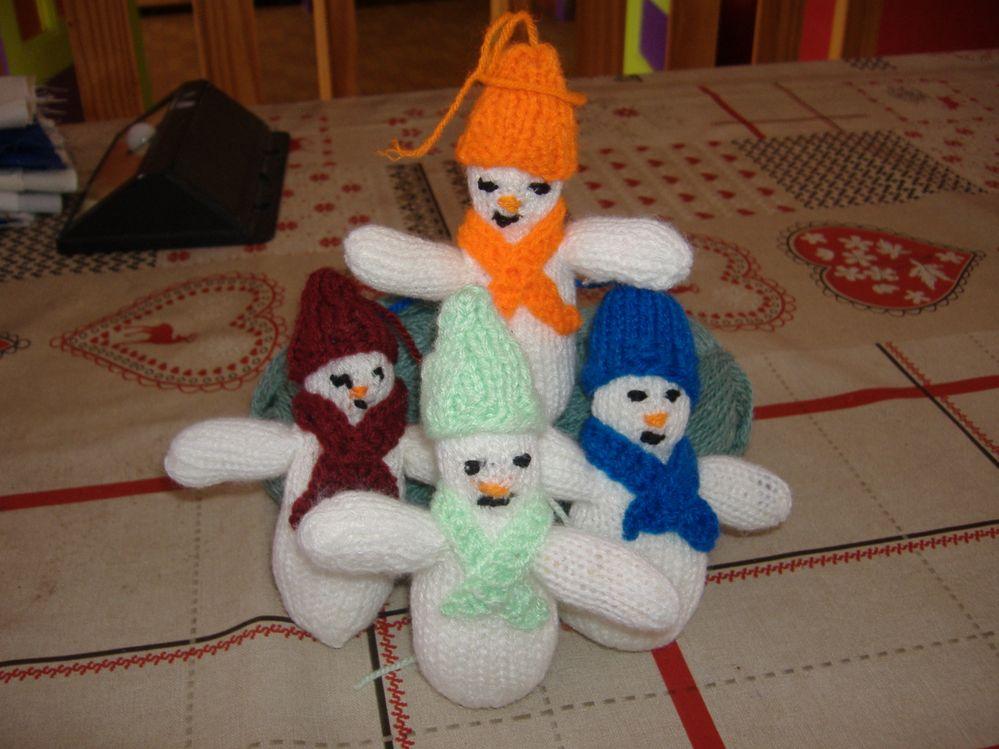DIY tricot bonhommes de neiges