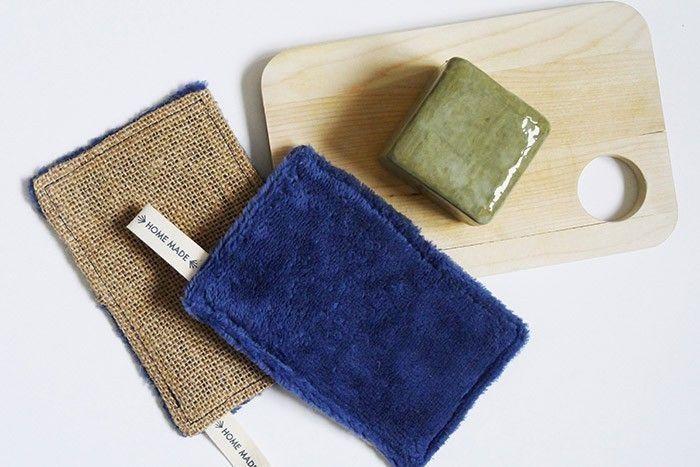 ETAPE 10/11 Conseil : le tissu éponge peut-être également employé pour réaliser une éponge lavable en toile de jute.