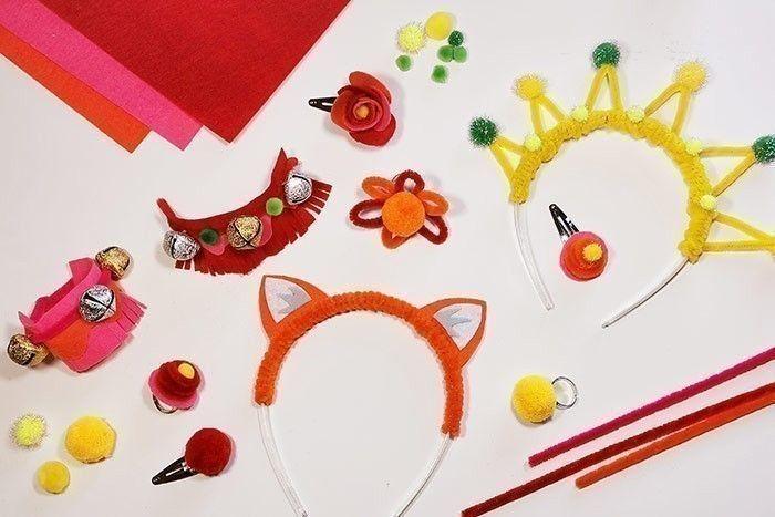 ETAPE 7/8 Créez autant d'accessoires de déguisement que vous le souhaitez en variant les couleurs.