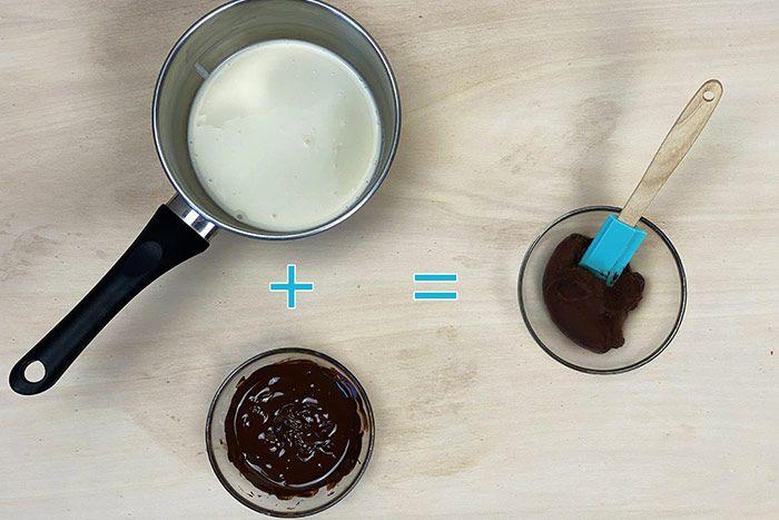 ETAPE 4/7 Pour la ganache, faire chauffer 100g de crème 30% de M.G  et mettre les 120g de chocolat à fondre au micro-ondes en mélangeant toutes les 30s.  Verser la crème en 3 fois sur le chocolat en mélangeant. Verser le tout dans une poche à douille et laissez refroidir au frigo.