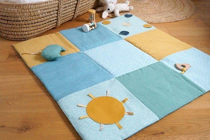 Etape 13 : . Le tapis d'éveil peut aussi être proposé comme tapis de sol à l'intérieur d'un tipi pour décorer une chambre ou s'amuser dans le jardin.