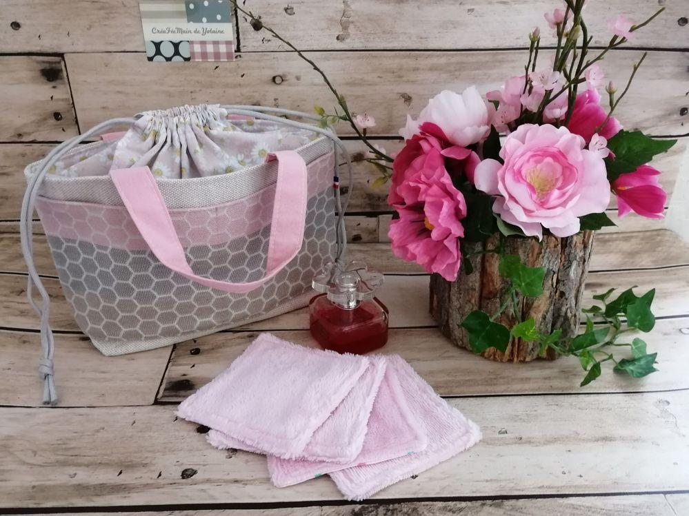 Création couture : petit sac de toilette fourre-tout fermeture pochon, avec ses lingettes en coton bambou