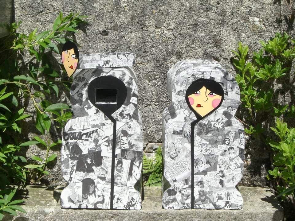 Les poupées russes soutenant l'atelier sont faites en carton