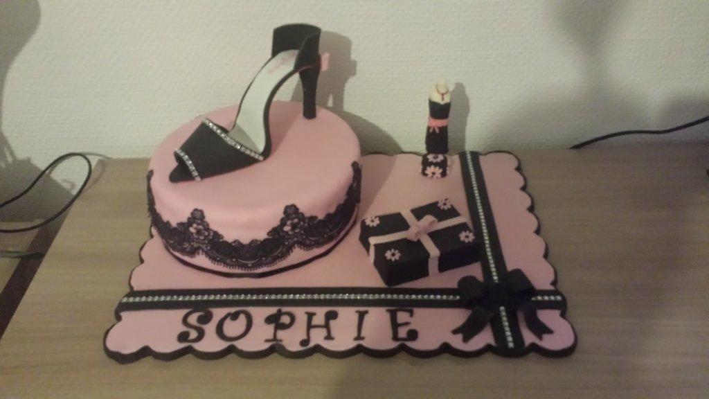 Concours Gâteau D Anniversaire Sophie La Girly Cultura
