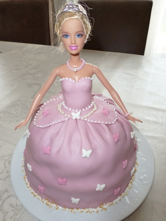 concours g teau d 39 anniversaire barbie princesse cultura. Black Bedroom Furniture Sets. Home Design Ideas