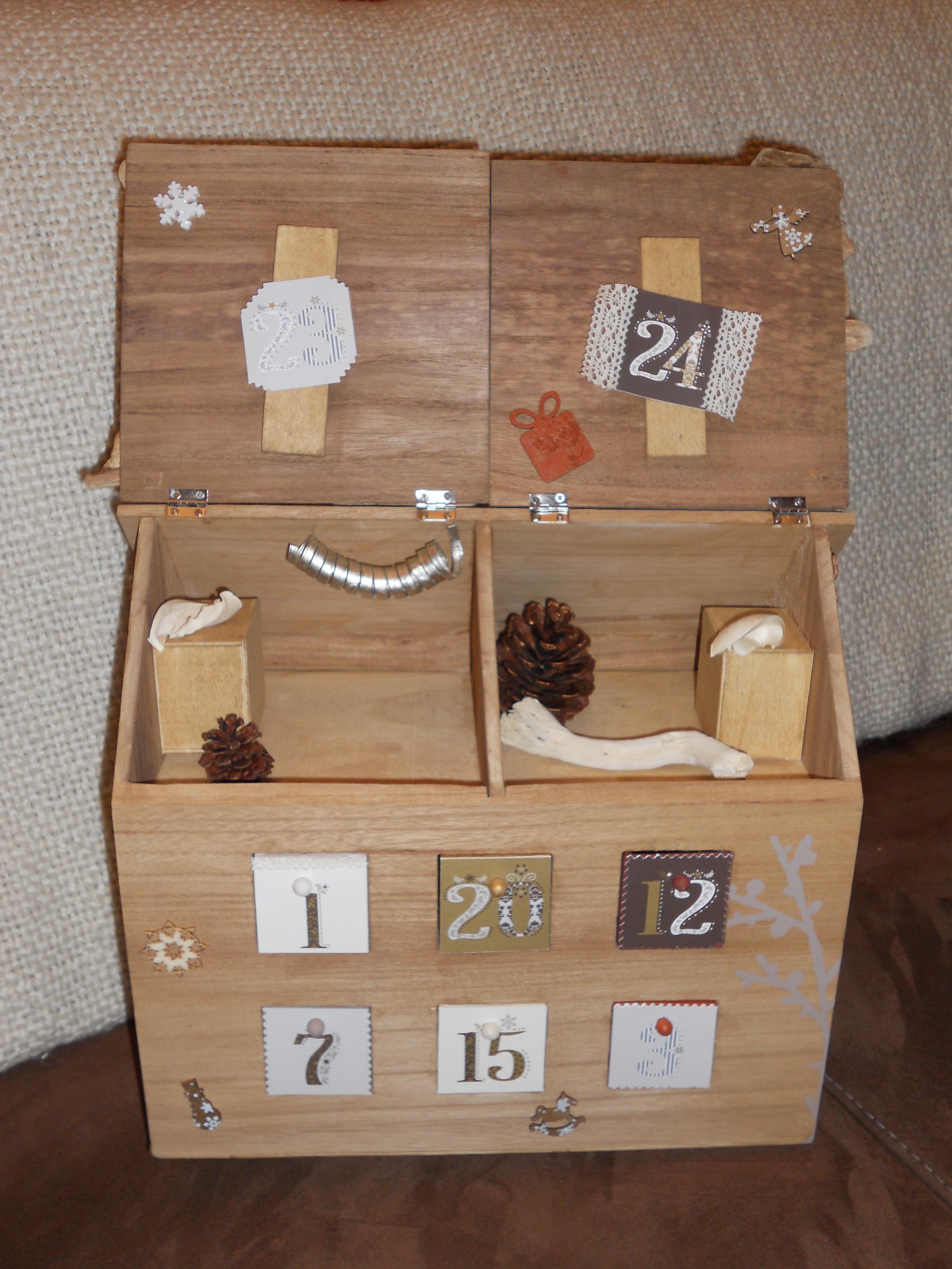 calendrier de l 39 avent chalet en bois cultura. Black Bedroom Furniture Sets. Home Design Ideas