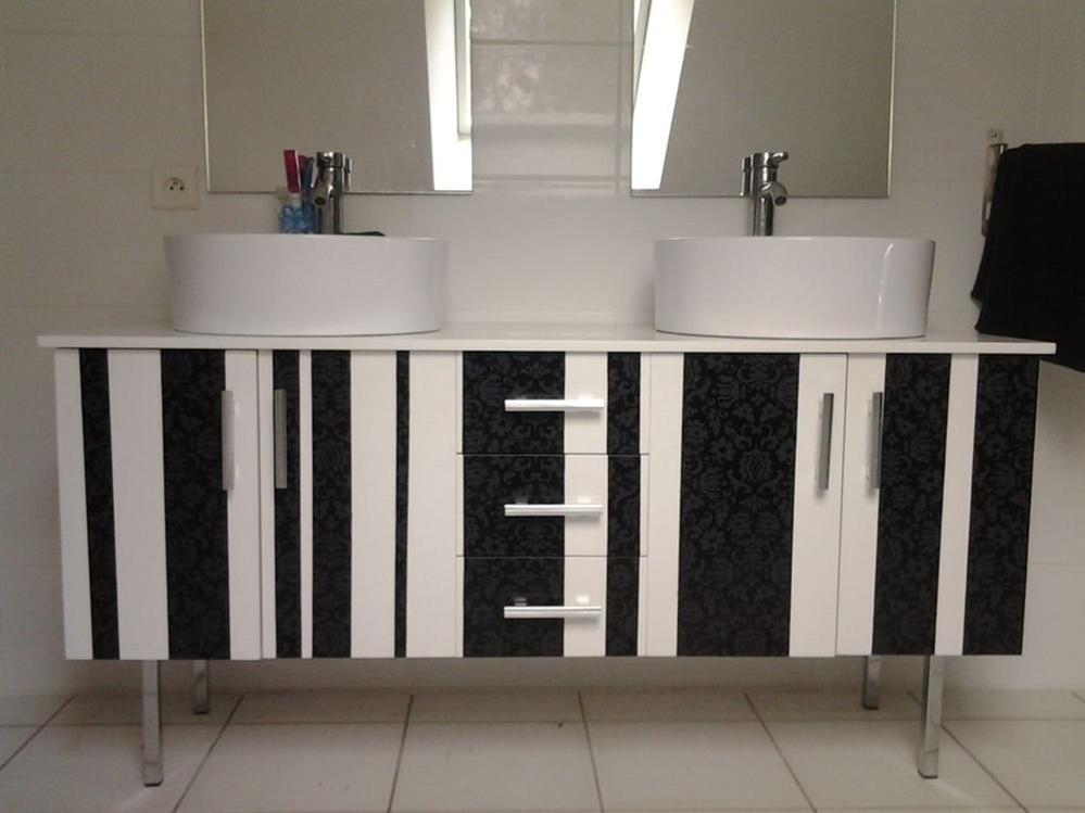 relooker un meuble de salle de bain cultura. Black Bedroom Furniture Sets. Home Design Ideas