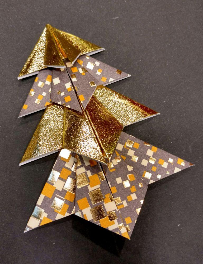 Sapin origami 11.jpg