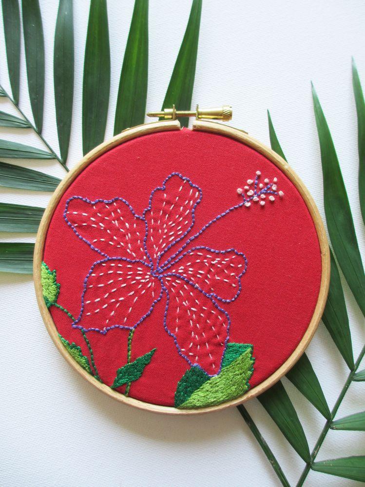 les-plaisanteries-diy-hoop-art-hibiscus-02.jpg