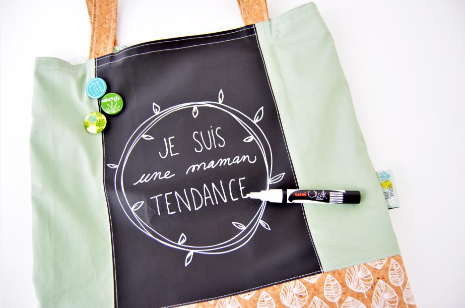 7. Personnaliser à l'aide du feutre Feutre chalk marqueur craie votre tote bag.