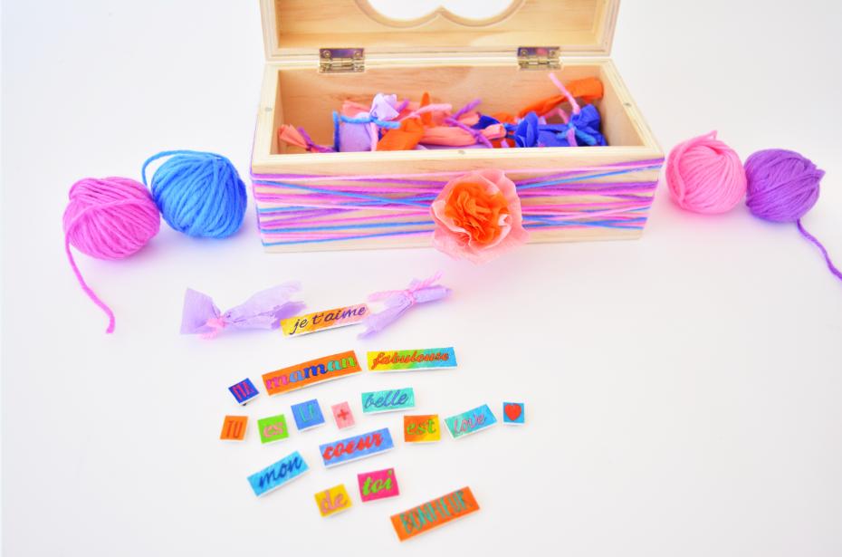 10. Chaque magnet est prêt à être déballé par la maman ! L'enfant pourra chaque jour lui composer de nombreux mots doux sur le frigo ou sur un mémo magnétique.