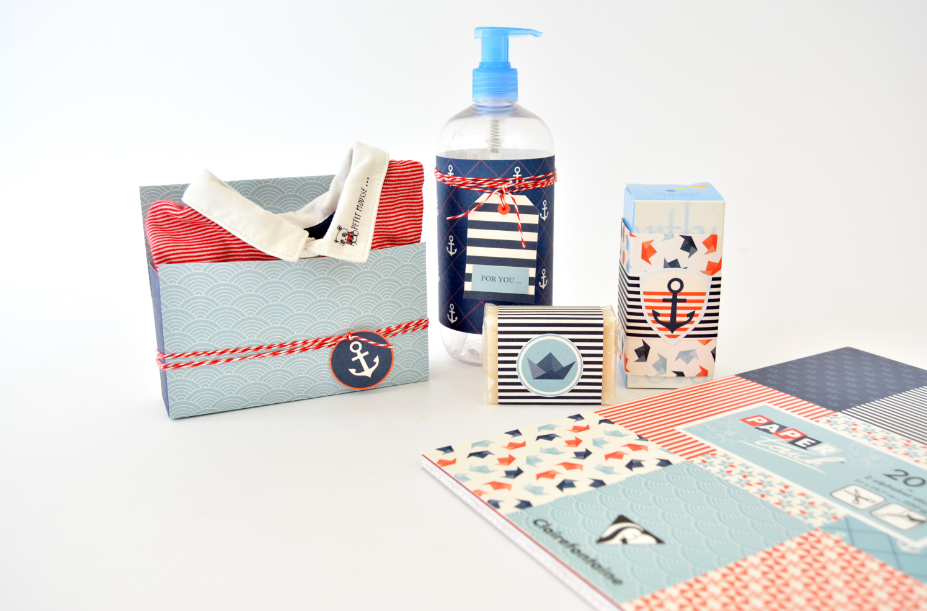 5. Personnaliser les cadeaux à offrir avec les papiers du bloc pour créer de jolis emballages assortis à l'étagère.