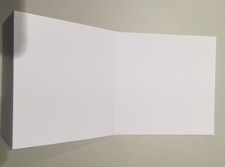 4. Couper un dernier papier de 30,5 x 18 cm plié à 6,5 et 18 cm comme ci dessus.