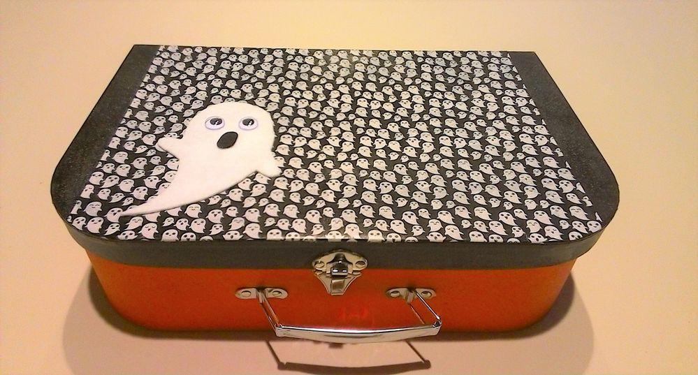 Valise surprise pour Halloween à faire avec les enfants .