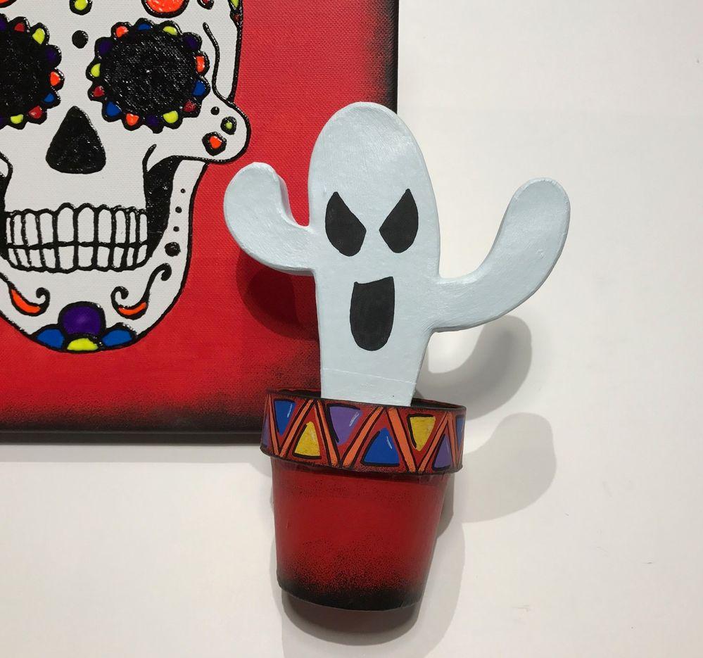 Votre Cactus Boo est prêt pour la déco d'halloween!