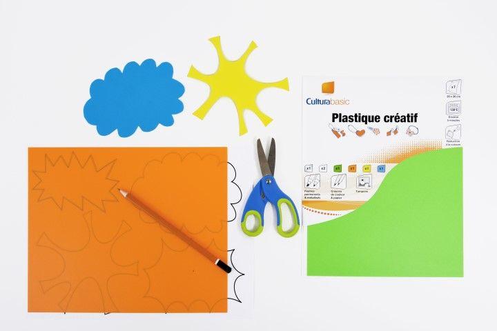 1. Télécharger et imprimer le gabarit des motifs à reproduire sur les plastiques créatifs de couleur.