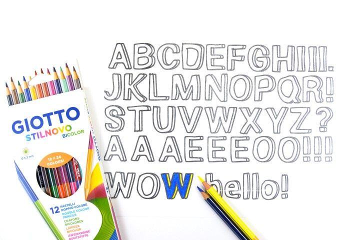 3. Télécharger et imprimer les motifs sur une feuille de papier plastique créatif pour imprimante. Colorier les lettres pour former l'onomatopée «WOW».
