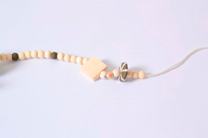 PAP Collier - Technique ficelle (10).JPG