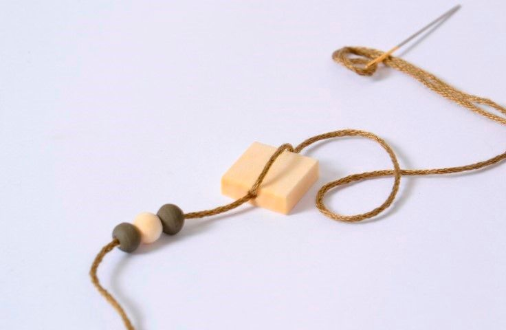 PAP Collier - Technique ficelle (11).JPG