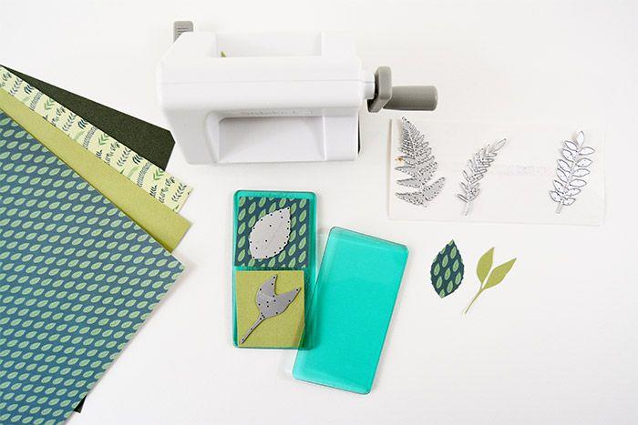 6. Répéter les actions précédentes avec les formes de découpes feuillages inclus avec la machine et des papiers dans les tonalités de verts.