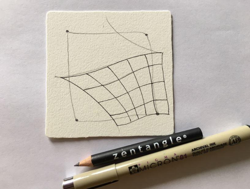 4. Choisissez une zone et commencez le tracé de votre premier motif avec le feutre Pigma Micron.