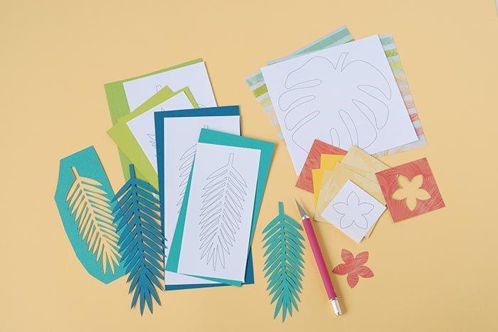 6. A l'aide des gabarits et d'un crayon, dessiner les feuilles et les fleurs  sur le papier Mahé et sur le papier de collection. Dessiner.