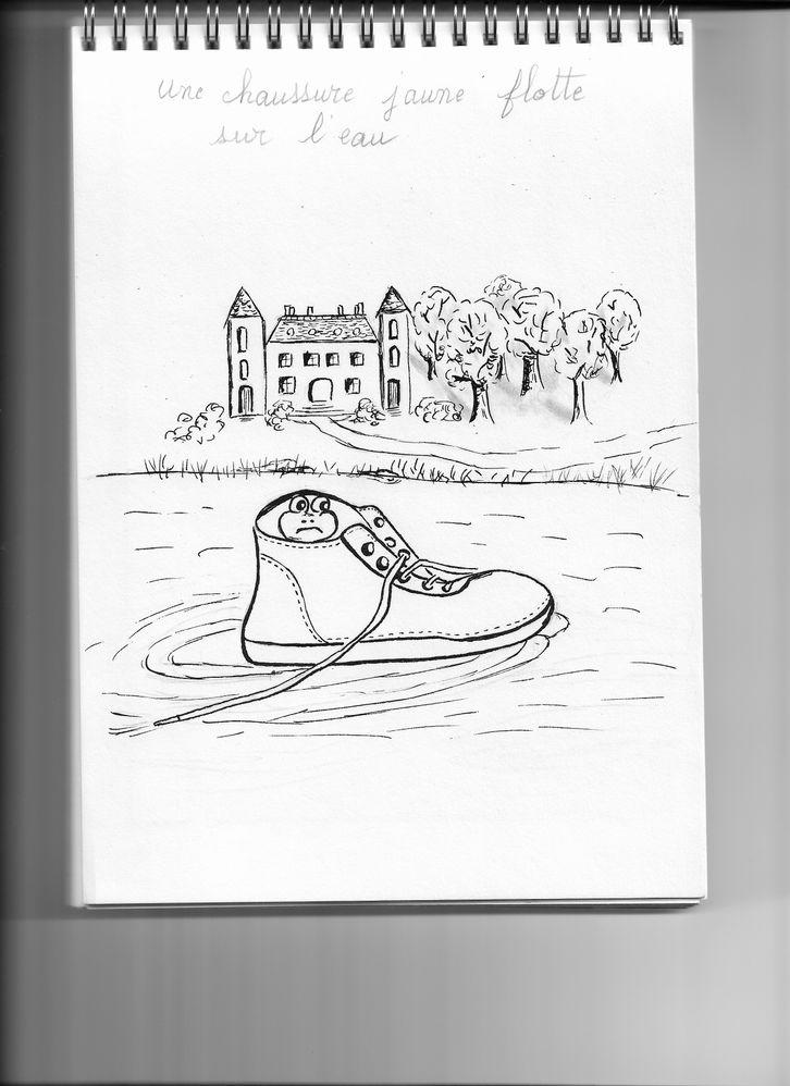 une chaussure jaune.jpg