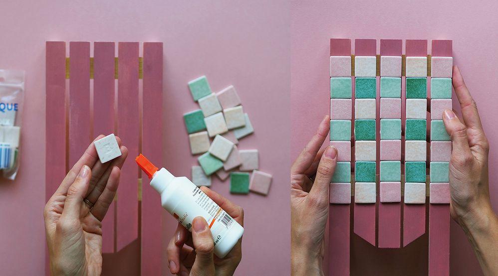 ETAPE 2 / Coller la mosaïque, pour donner un effet de faïence.
