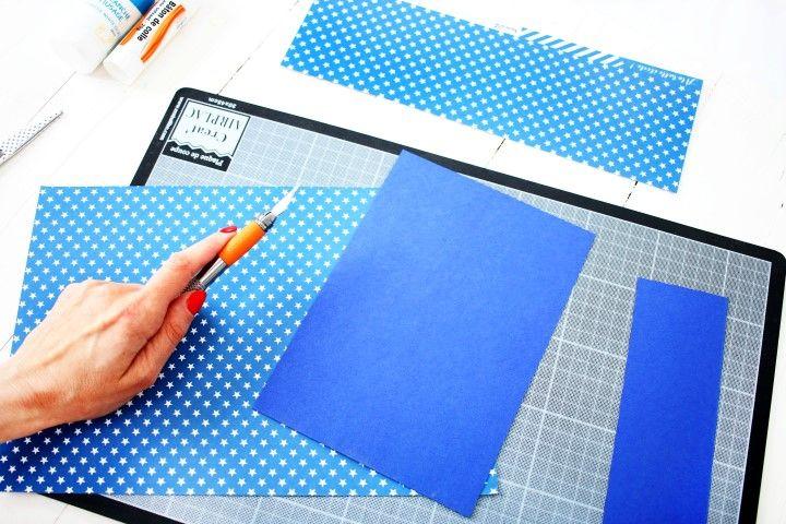 2. Dans le papier bleu découper un rectangle de 148x210 mm.