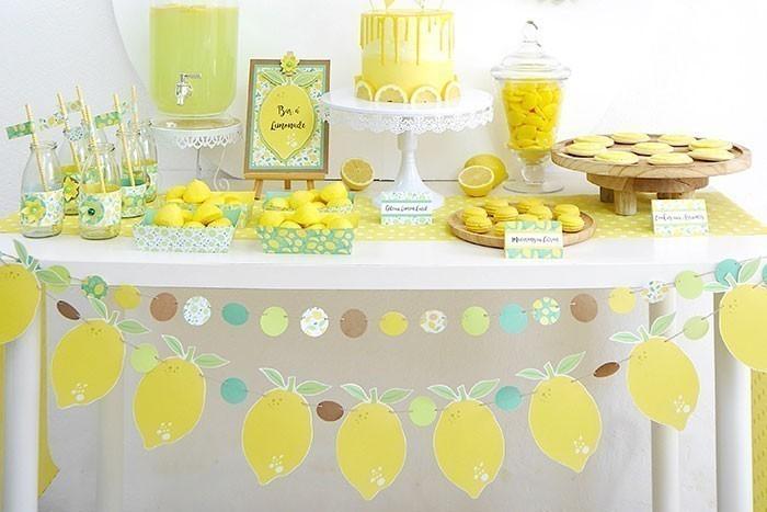 ETAPE 8/8 Les guirlandes sont prêtes pour décorer votre table de fête.