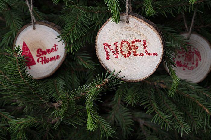 8. Les rondins peuvent être suspendus pour décorer le sapin de Noël.