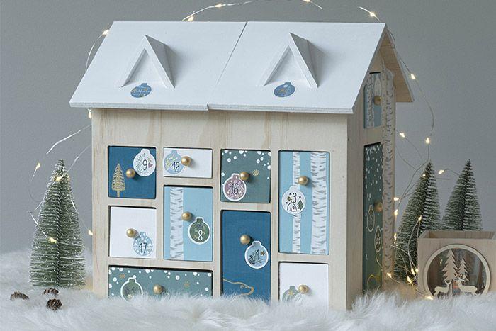 8. La maison de l'Avent est prête pour accueillir des petites surprises en attendant Noël.