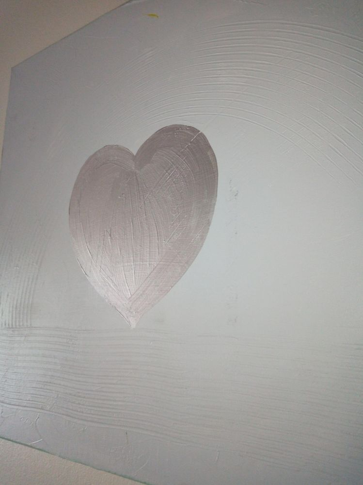 Tableau coeur peinture argent et pâte de structure pour donner du relief