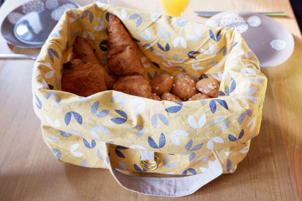 Sac à pain/viennoiserie transformé en panier.
