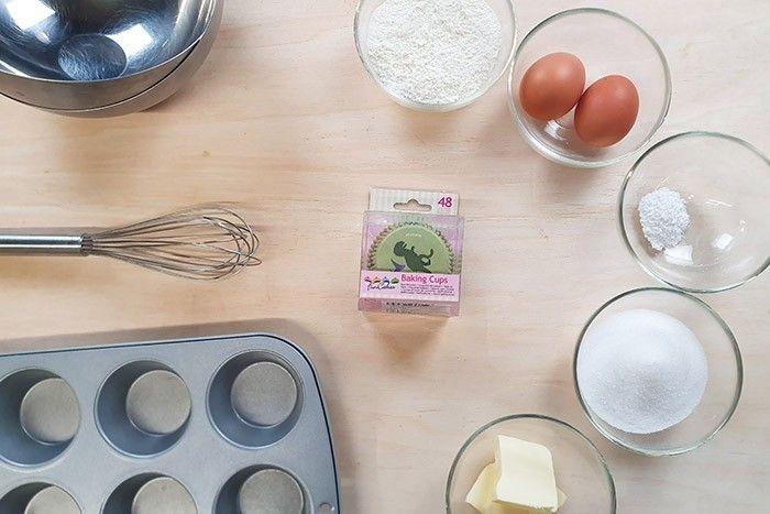 1. Peser tous les ingrédients. 15 min avant de réaliser la recette laisser le beurre à température ambiante pour qu'il ramollisse. Et préchauffer votre four à 180°.