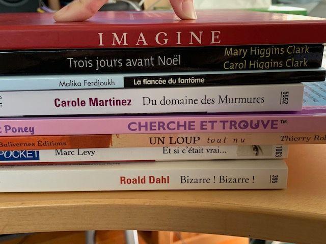 un mélange entre les livres des filles et ceux des parents ;)