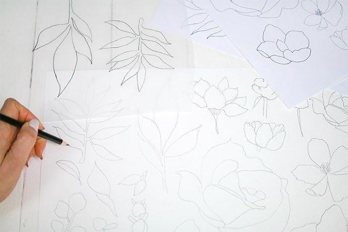 ETAPE 1/9 Imprimer les gabarits et reproduire les dessins à l'aide du papier calque. Puis les coloriser à l'aquarelle selon les différentes techniques.