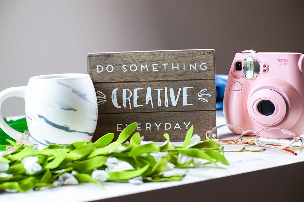 do-something-creative-everyday-text-3831729.jpg