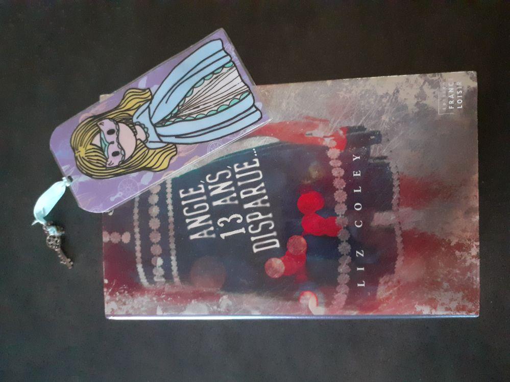 Livre découvert dans la bibliothèque d'une amie.