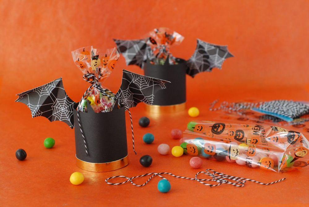 ETAPE 7/7 Les emballages sont prêts pour goûter d'Halloween.